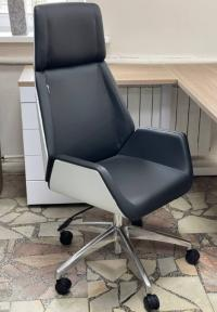 Кресло руководителя Бюрократ _OPTIMUM